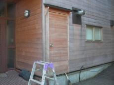 玄関横外壁施工前